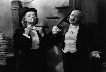 Marlene Dietrich en El signo de la cruz