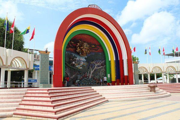Plaza Principal de Tumbes, Perú